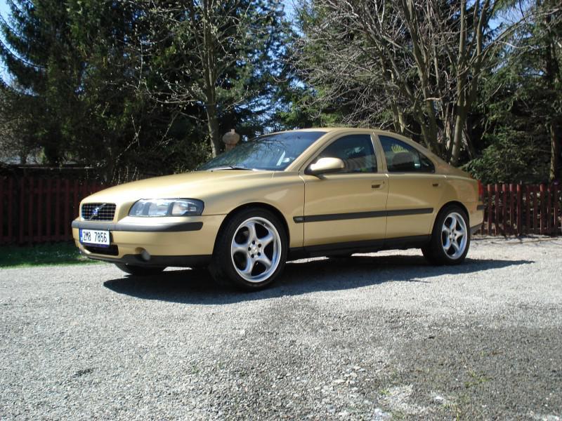 2001 Volvo S60 I 2.4 (146 cui) gasoline 103 kW